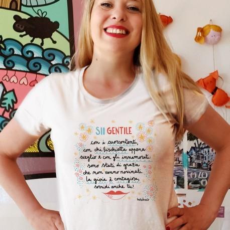 Sii gentile con i cuorcontenti   T-shirt donna