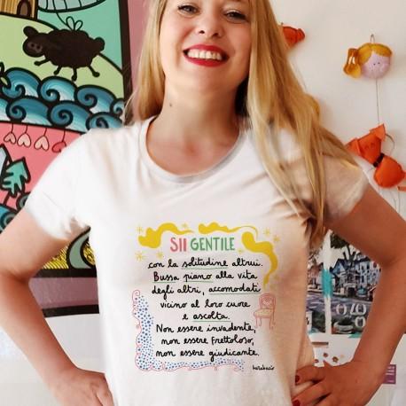 Sii gentile con la solitudine degli altri | T-shirt donna
