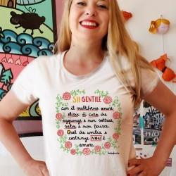 Sii gentile con il multiforme amore | T-shirt donna