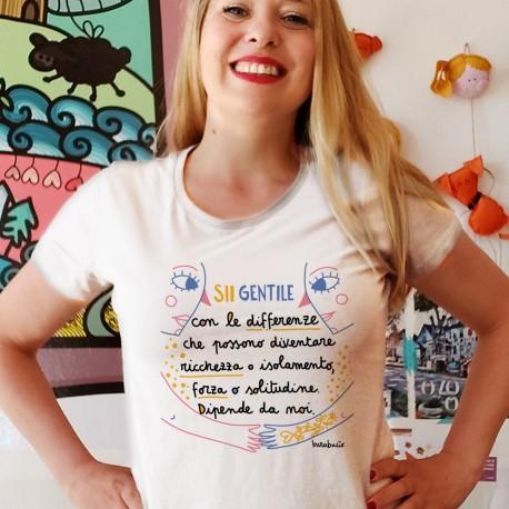 Sii gentile con le differenze   T-shirt donna